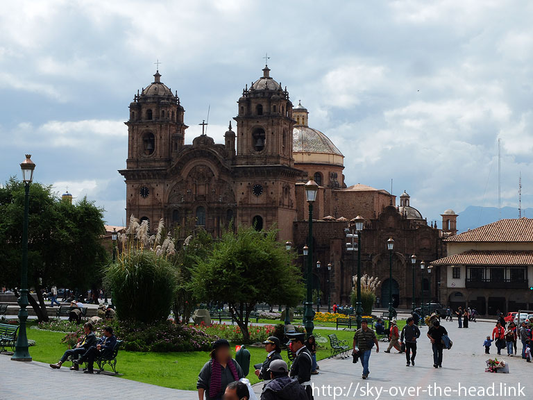 """<img src=""""https://sky-over-the-head.link/wp-content/uploads/2015/04/150405_csc_aml.jpg"""" alt=""""クスコ(ペルー)/Cusco(Peru)"""" width=""""768"""" height=""""576"""" class=""""alignnone size-full wp-image-239"""" />"""
