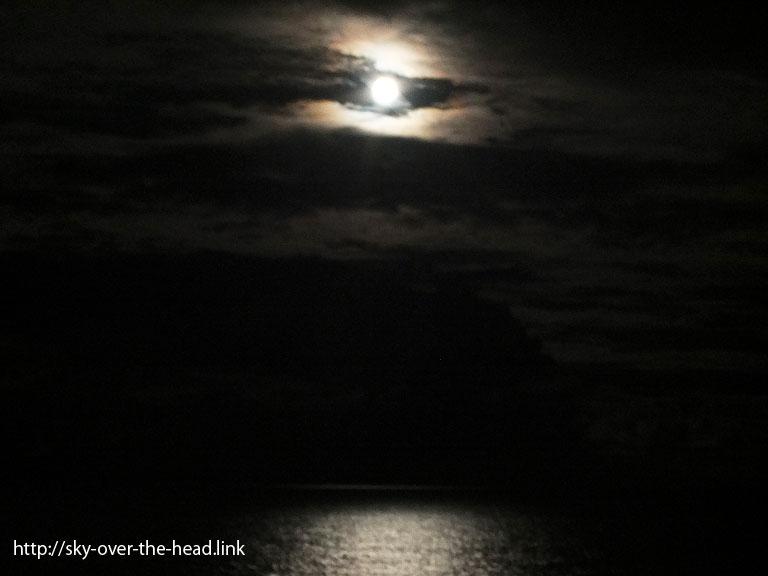 満月|ラパ・ヌイ島沿岸(チリ)/Rapa Nui Island coast (Chile)