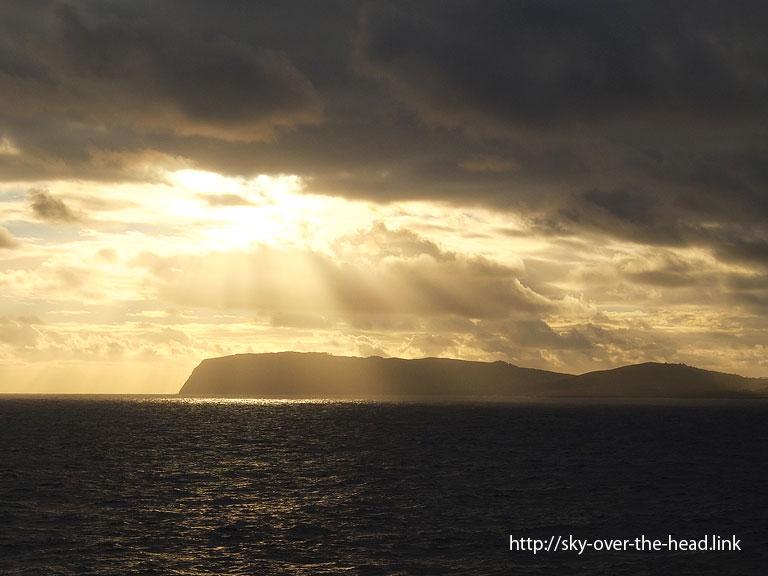 絶海の孤島ラパ・ヌイ島の夕暮れ(チリ)/Rapa Nui Island (Chile)