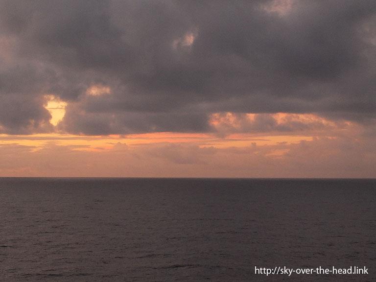 赤く染まる空|南太平洋/South Pacific