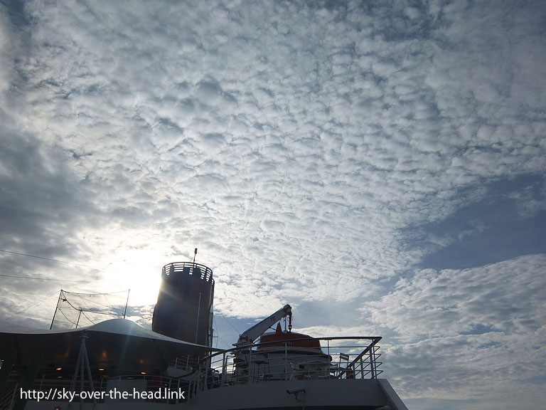 ぼこぼこした雲@太平洋
