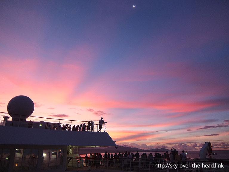 ガダルカナル島の夕焼け
