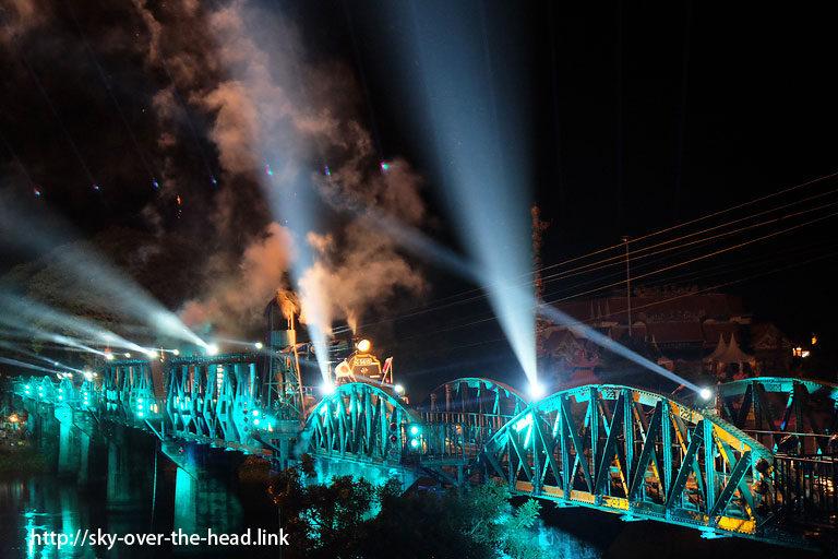 クウェー川鉄橋フェスティバル(タイ)/River Kwai Bridge Festival(Thailand)