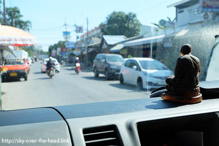 カンチャナブリーからアユタヤへバスで移動(タイ)