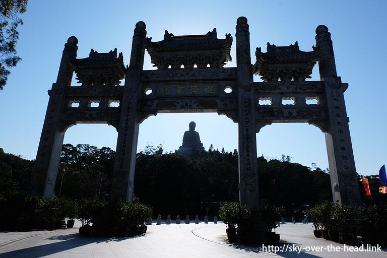 天壇大仏と宝蓮禅寺(ポーリン寺)