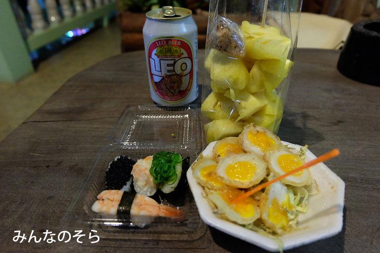 【10食目】屋台のご飯をお持ちかえり@タイ/カンチャナブリー