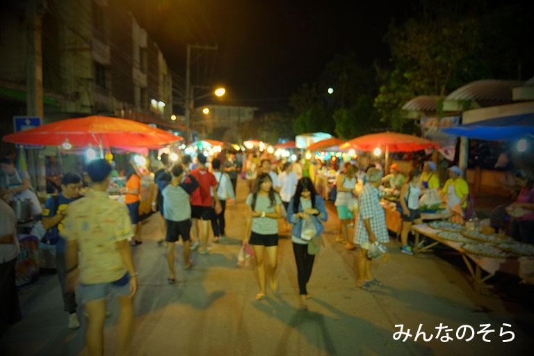 スコータイの夜市@タイ