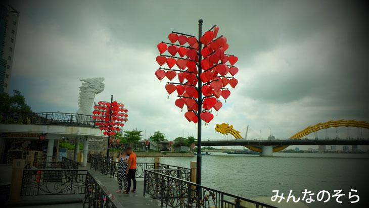 鯉の登龍像(Cá Chép Hóa Rồng)@ダナン市内観光