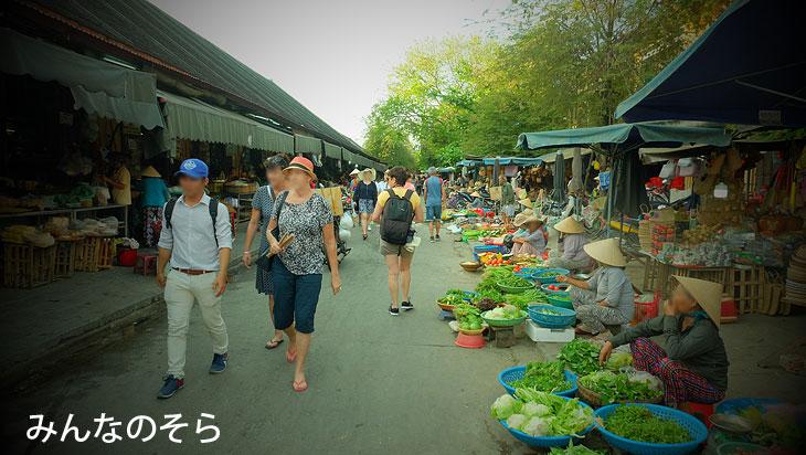 ホイアン市場(CENTRAL MARKET)@昼間のホイアンを散策