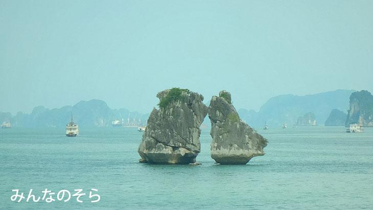 ハロン湾周遊!闘鶏岩を発見