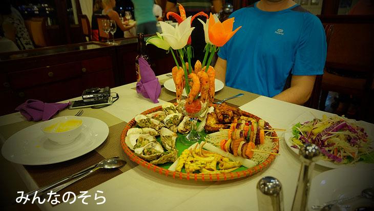 夕ご飯は、海鮮バーベキュー ハロン湾現地ツアー