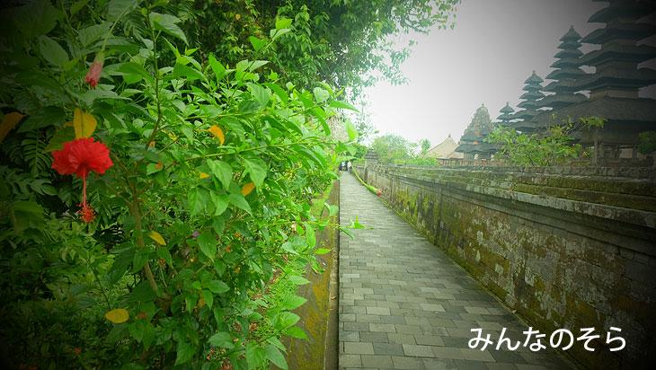 世界遺産!タマン・アユン寺院(Pura Taman Ayun)にレンタルバイクで行ってきた(バリ島)
