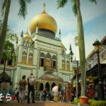 サルタン・モスクを眺めつつ、遅めのランチ