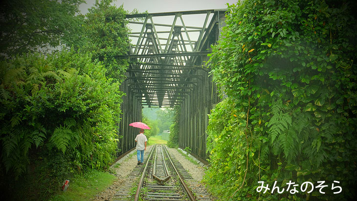 廃止されたマレー鉄道の線路を散策(旧ブキティア駅付近)