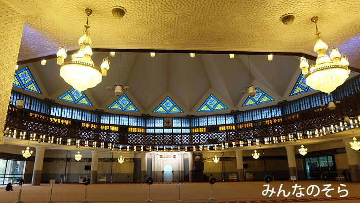 国立モスクで、イスラム寺院の美しさに感動