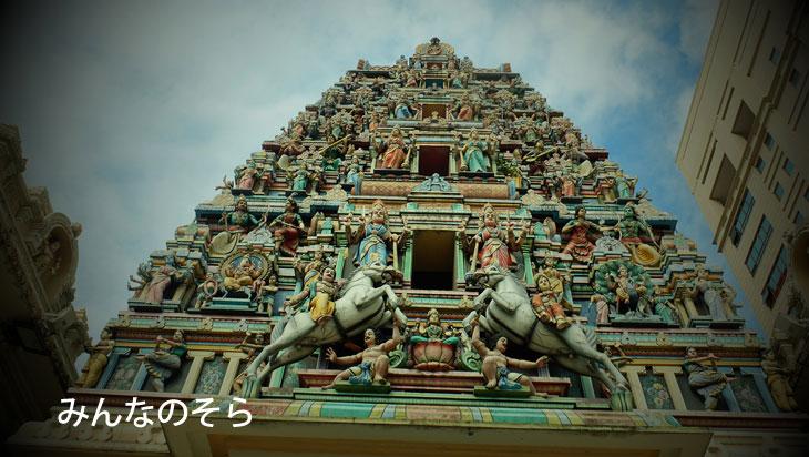 パステルカラーのヒンドゥ寺院!スリ マハ マリアマン寺院(Sri Mariamman Temple)