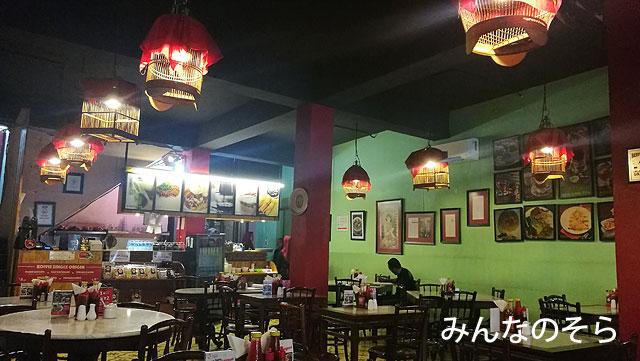 レトロカフェ「Kopi Oey」で朝ご飯