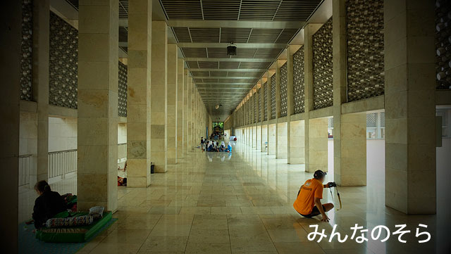 東南アジア最大規模!イスティクラル・モスク