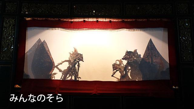 インドネシアの伝統芸能「ワヤン・クリッ(影絵芝居)」を観劇
