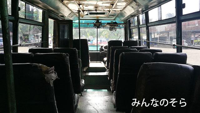 ボロブドゥールバスターミナル→ジョンボールバスターミナルまで(1時間15分ほど)
