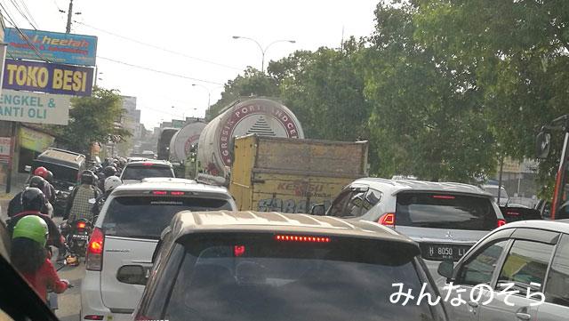 プランバナン寺院からアジスチプト国際空港までは、トランスジョグジャ【1A】で