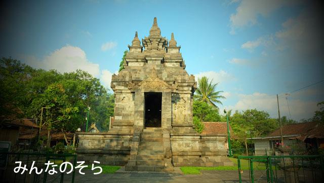 小さくても、レリーフが見事!Pawan Temple(パオン寺院)へ