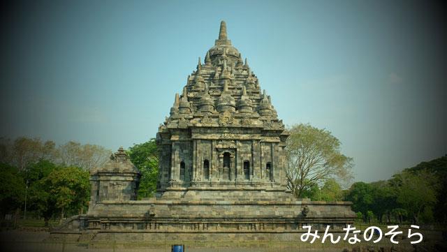 ブブラ寺院、ルンブン寺院を眺めつつ、ロロ・ジョングラン寺院へ戻ります